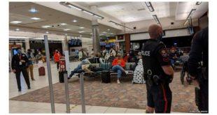 شركة طيران تلغى سفر طفلة عمرها 19 شهراً رفضت إرتداء الكمامة وبكت