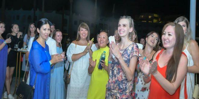 فودة يبحث مع أصحاب الشركات السياحية تنشيط الحركة من كازاخستان لشرم الشيخ