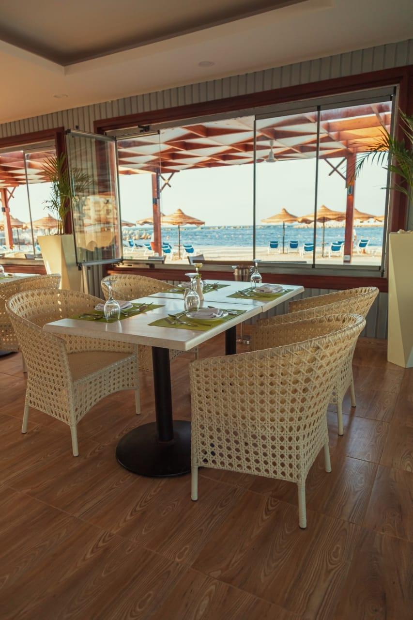 قطاع الأعمال .. افتتاح المنطقة الشاطئية لفندق اللسان برأس البر بعد تطويرها5