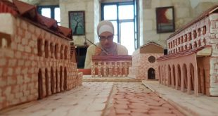 مهندسة فلسطينية تحول المواقع التاريخية إلى مجسمات حجرية لتنشيط السياحة