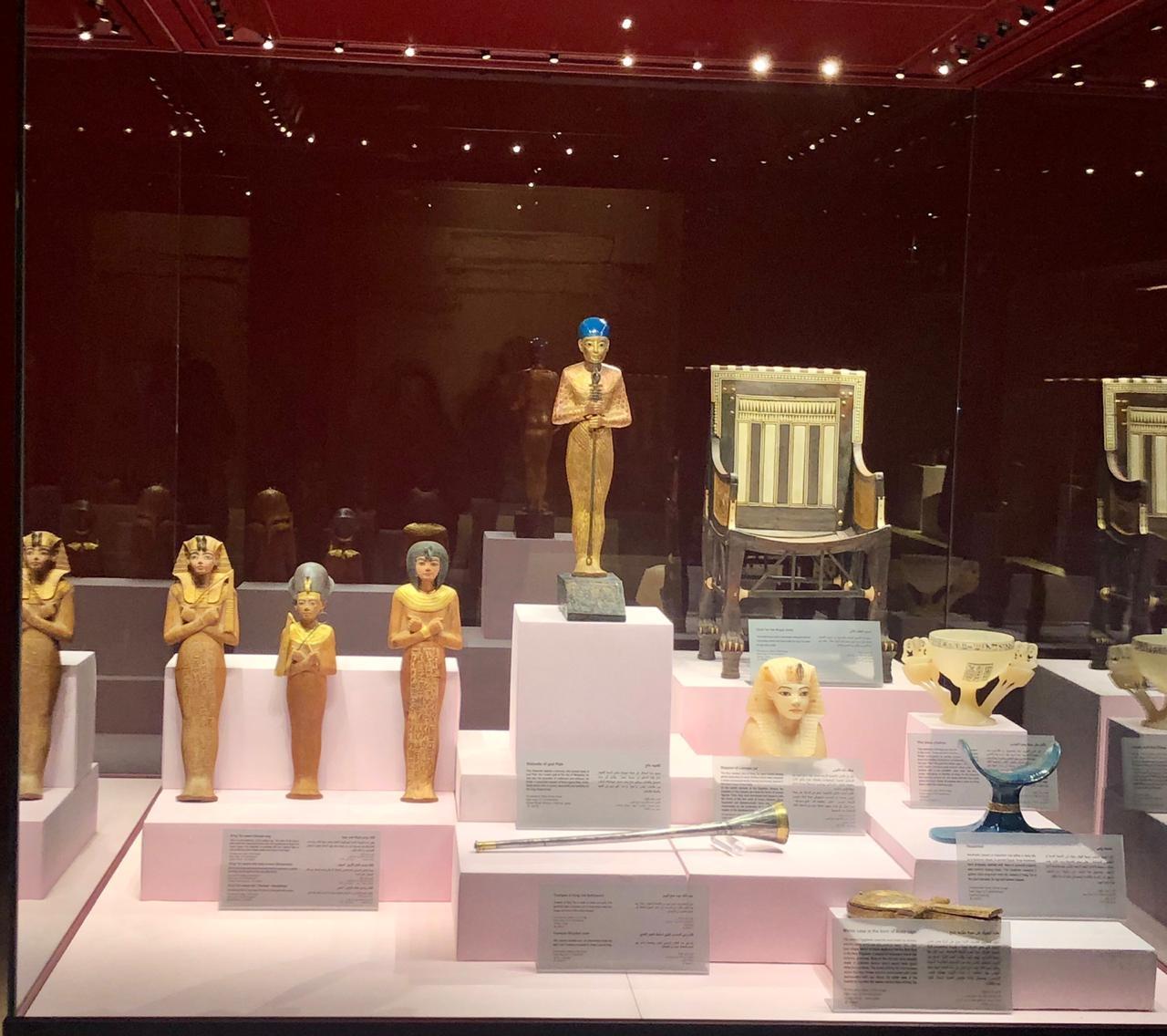 وزير السياحة والآثار يتفقد المعرض المؤقت لبعض كنوز الملك توت عنخ آمون3