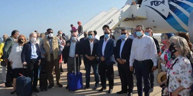 تحت شعار مش حنبطل نسافر .. حملة ترويجية لعملاء CIB بالتعاون مع مصر للطيران1