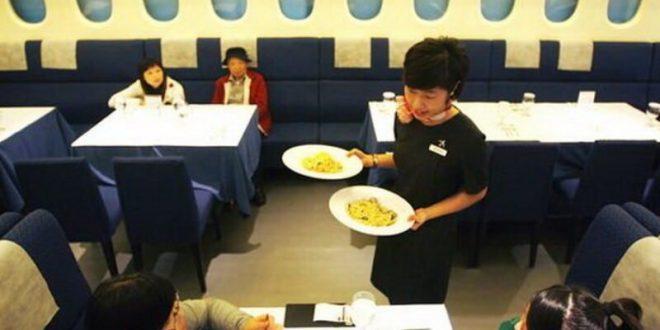 الخطوط الجوية السنغافورية تحول طائراتها المتوقفة لمطاعم بسبب كورونا