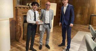 طفل مصري بالخارج يفوزه بجائزة شخصية العام بالنمسا3