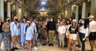 فيلم عن 118 قطعة أثرية بالمتحف المصري بالتحرير والعناني مع السياح الأوكران