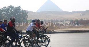 وزير الرياضة يقود ماراثون الدراجات من المتحف المصري بالتحرير إلى المتحف الجديد بالرماية