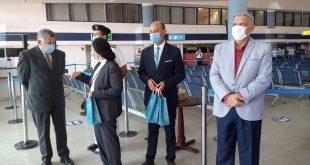 محافظ البحر الأحمر : وصول 163سائحاً فرنسياً لمطار الغردقة بعد توقف 7 شهور