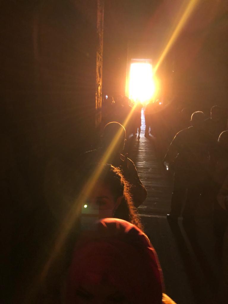 سياح العالم شاهدوا تعامد الشمس على وجه الملك رمسيس الثاني بمعبد أبو سمبل3