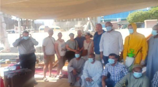6 سياح سويسريين فى أولى رحلات الدهبيات النيلية بعد توقف 4 أشهر