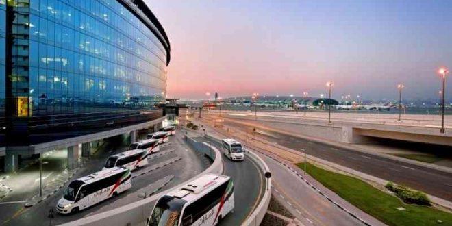 """طيران الإمارات تستخدم حافلات """"نظيفة بيئياً"""" لتنقلات أطقم الضيافة في دبى"""