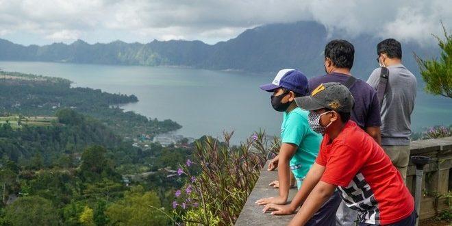 عائدات السياحة بإندونيسيا تتراجع 97.6 % وسفريات الخارج تصل 120 مليون دولار