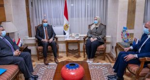 منار والقباح يتفقان على عرض منتجات جمعية النور والأمل فى المطارات المصرية