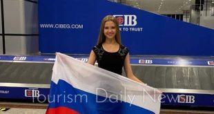 وصول ملكة جمال روسیا للمشاركة فى مسابقة ملكات جمال السياحة بالغردقة
