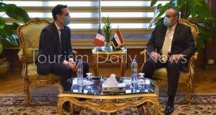 وزير النقل الفرنسي يشيد بالإجراءات الاحترازية المتبعة فى المطارات المصرية