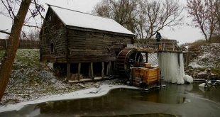 تحويل طاحونة مائية عمرها 300 عام إلى مزار سياحي فى روسيا