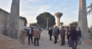 محافظ أسيوط يتفقد أعمال إنشاء بوابتين لمدخل طريق الدير المحرق