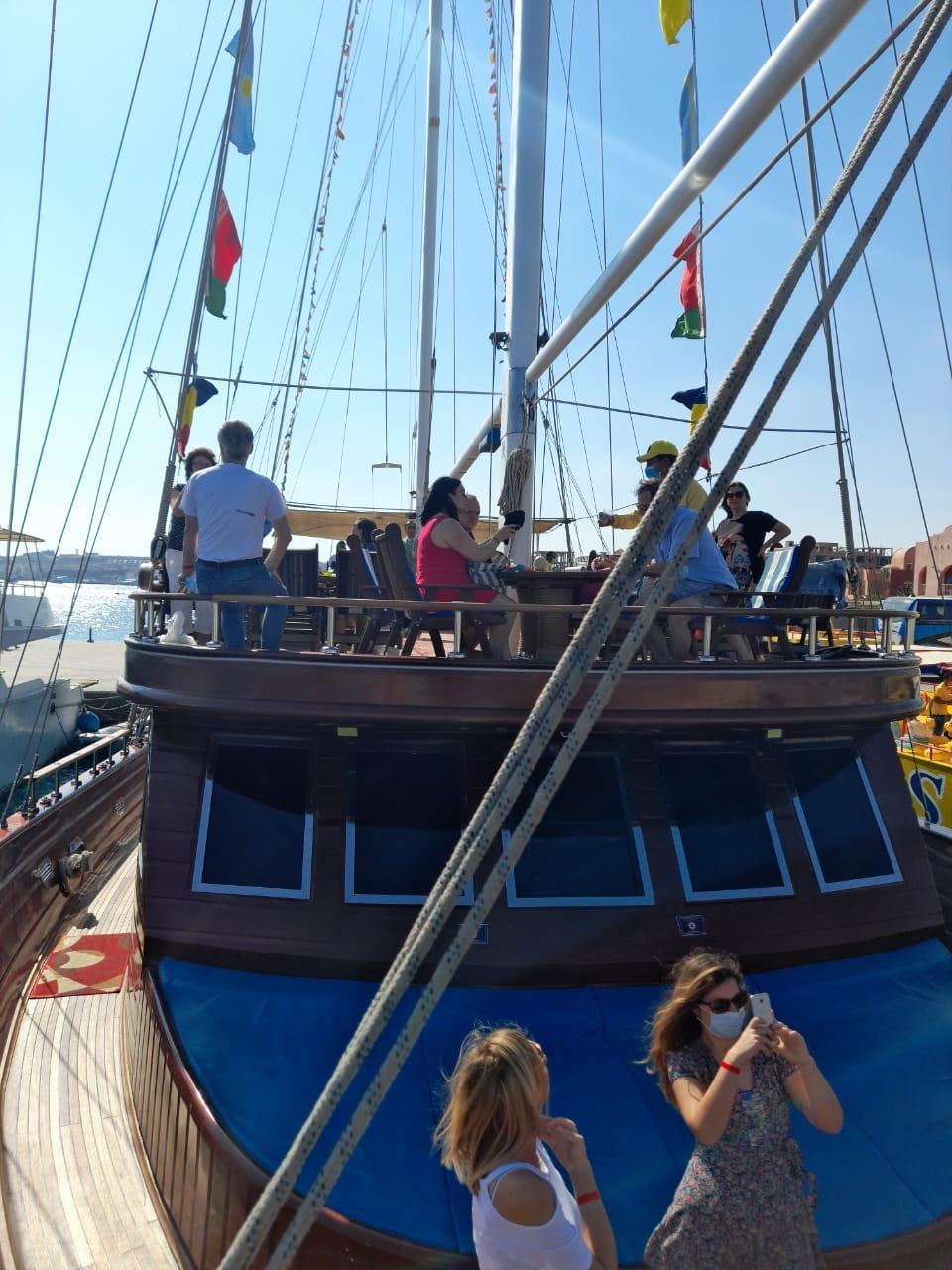 الصرب تراجع إجراءات مصر الاحترازية لضمان سلامة السياح مع عودة الرحلات