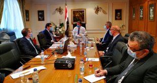 تحالف إيطالي يزور مصر لبحث التعاون في صناعة أتوبيسات تعمل بالغاز الطبيعي