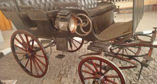 وصول مركبة القصير لمتحف المركبات الملكية لعرضها وترميم عربة الشاربان1