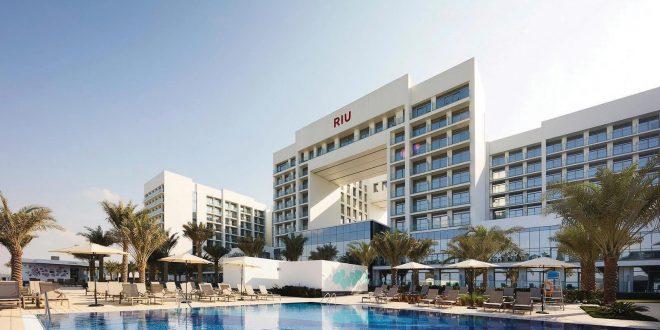 افتتاح أول منتجع سياحي على شواطئ جزر ديرة الإماراتية