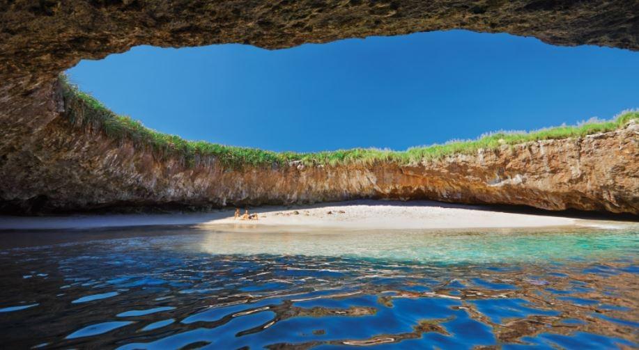 الشاطئ المخفي يجعل جزر أيسلاس ماريتاس أكثر الوجهات الاستثنائية في العالم3