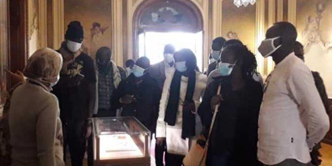 متحف المجوهرات الملكية يستقبل وفداً يمثل عدد من الدولة الأفريقية
