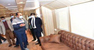 محافظ أسوان يمر على الفنادق للوقوف على تطبيق الإجراءات الاحترازية