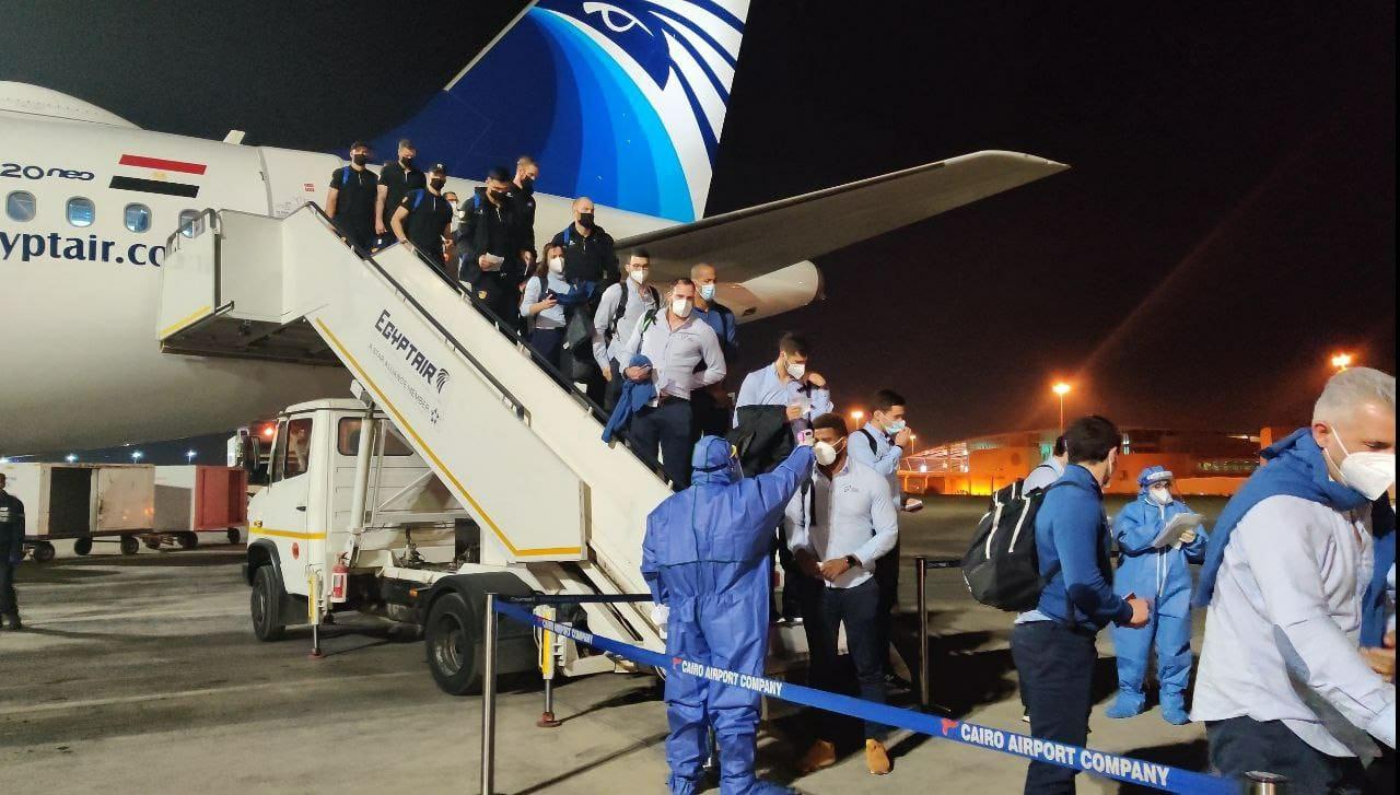 مصر للطيران تستقبل منتخبات أيسلندا والبرتغال والكونغو وتنقلها للقاهرة