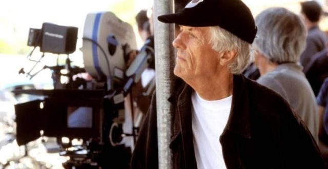وفاة مايكل أبتيد صاحب سلسلة الأفلام الوثائقية أب ومخرج فيلم جيمس بوند