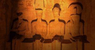 السياحة تنظم عرضا موسيقيا احتفالاً بتعامد الشمس على وجه الملك رمسيس الثاني
