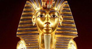السياحة تنفي السماح بتصوير قناع الملك توت عنخ آمون بالمتحف المصري بالتحرير