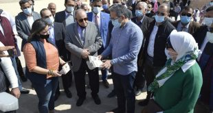 وزير السياحة يكشف تكاليف ترميم وتطوير معبد أتريبس ومقابر الحواويش بسوهاج