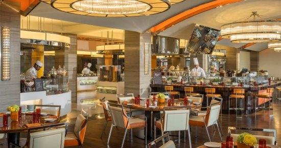 السياحة تعلق خدمة البوفيهات بالمطاعم والخيام والقاعات خلال رمضان بالسعودية