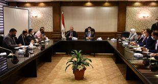 وزير الرياضة يبحث استعدادات بطولة السلاح وفنادق الإقامة بمشاركة 78 دولة