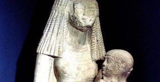 تمثال مرضعة الملك توت عنخ آمون قطعة الشهر تزامناً مع الاحتفال بيوم المرأة