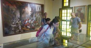 ورش عمل تعليمية لطلبةوخريجي كليات الآثار والسياحة والفنادق بمتحف رشيد