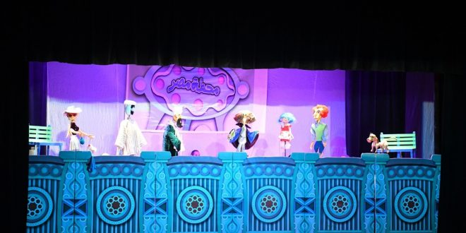 محطة مصر علي مسرح قصر ثقافة قنا بحضور كبير من أسر الشهداء