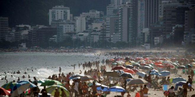 ريو دي جانيرو البرازيلية تغلق شواطئها في العطلة الأسبوعية لاحتواء كورونا