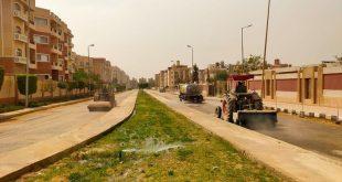 """قال المهندس أمين غنيم، رئيس جهاز تمنية مدينة القاهرة الجديدة، إنه تم تكثيف حملات أعمال النظافة والتجميل بكافة أحياء المدينة، من بينها الحى الخامس """"الأيقونة"""""""