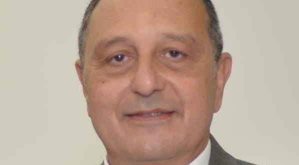 الطيار عمرو أبو العينين قائم بأعمال رئيس الشركة القابضة لمصر للطيران