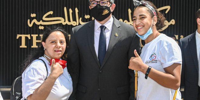 العناني يلتقي بـ 11 طفلاً من أبطال مصرية في مواهب متعددة من ذوي الهمم