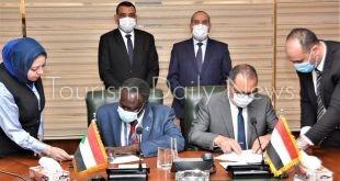 توقيع مذكرة تفاهم بين الشركة القابضة لمصر للطيران والخطوط الجوية السودانية1