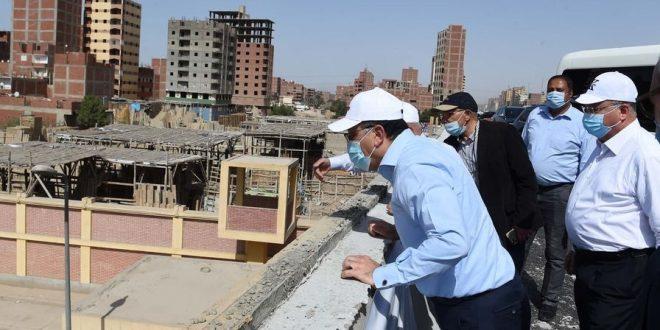 تفقد الدكتور مصطفى مدبولي، رئيس الوزراء ، اليوم، يرافقه المهندس كامل الوزير، وزير النقل، واللواء عبد الحميد الهجان، محافظ القليوبية، واللواء أحمد راشد