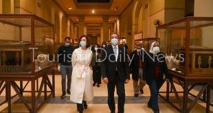 رئيس منظمة اليونسكو تصل مصر لحضور احتفالية موكب المومياوات الملكية