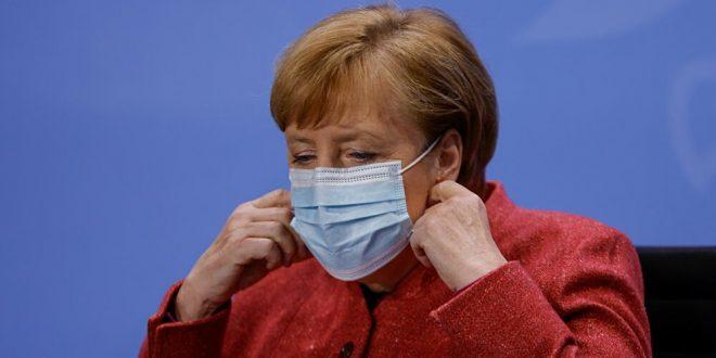 ميركل : برلين تعمل وحدها على إمكانية شراء لقاح كورونا الروسي سبوتنيك-V