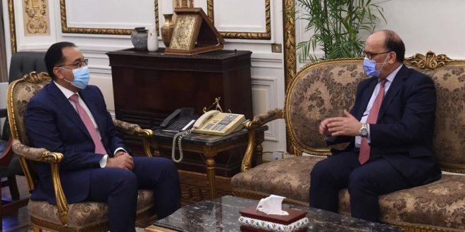 رئيس الوزراء يبحث مع السفير التونسي بالقاهرة تدشين خط ملاحي بين البلدين