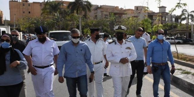غلق وتشميع مطعم وكافيه في حملة بالتجمع الأول في القاهرة الجديدة