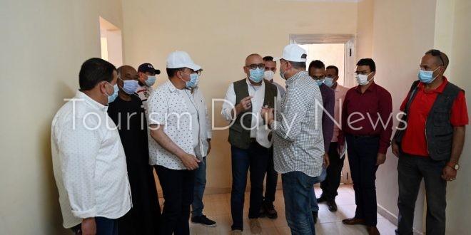وزير الإسكان يتفقد مشروعات الشريط النهرى السياحى بمدينة أسوان الجديدة