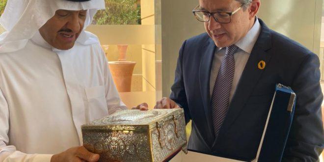 وزير السياحة والآثار يلتقي بالأمير سلطان بن سلمان بن عبد العزيز آل سعود