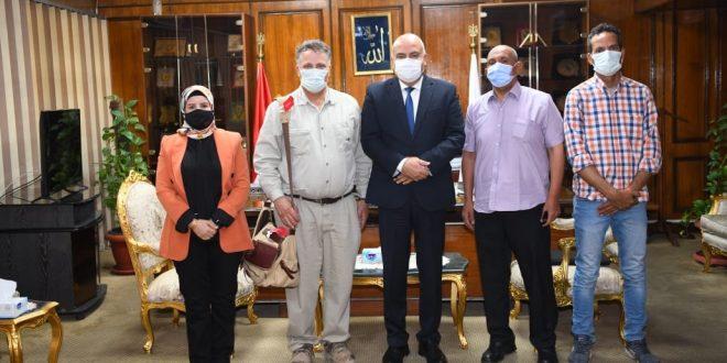 ماذا فعلت البعثة الأمريكية في دير البلاص مركز انطلاق حملات مصر العسكرية ؟1